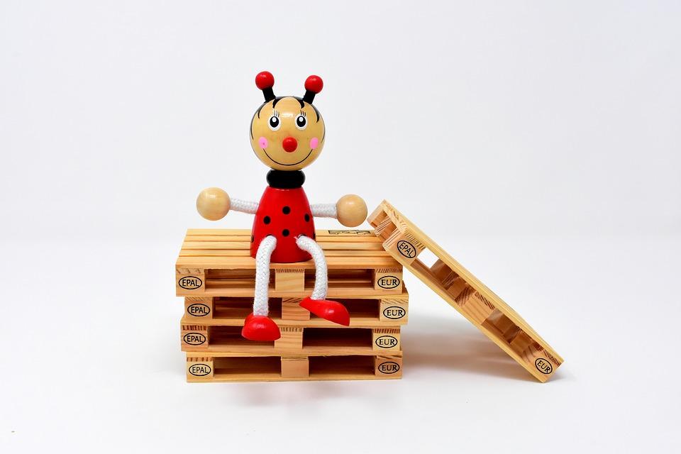 ferda mravenec na paletách