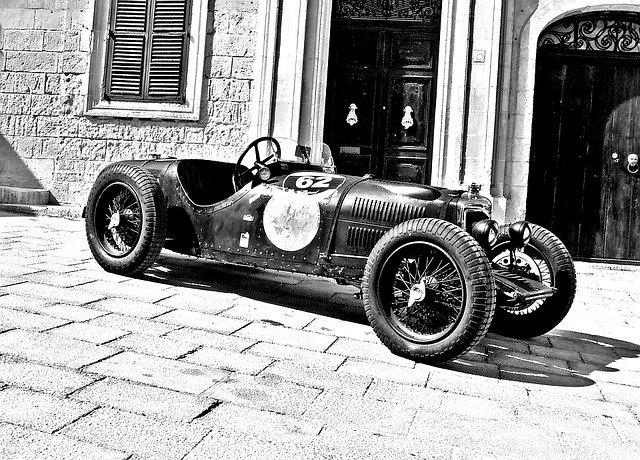 vintage závodní auto